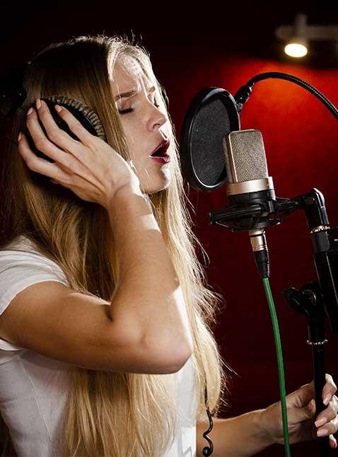 femme-chante